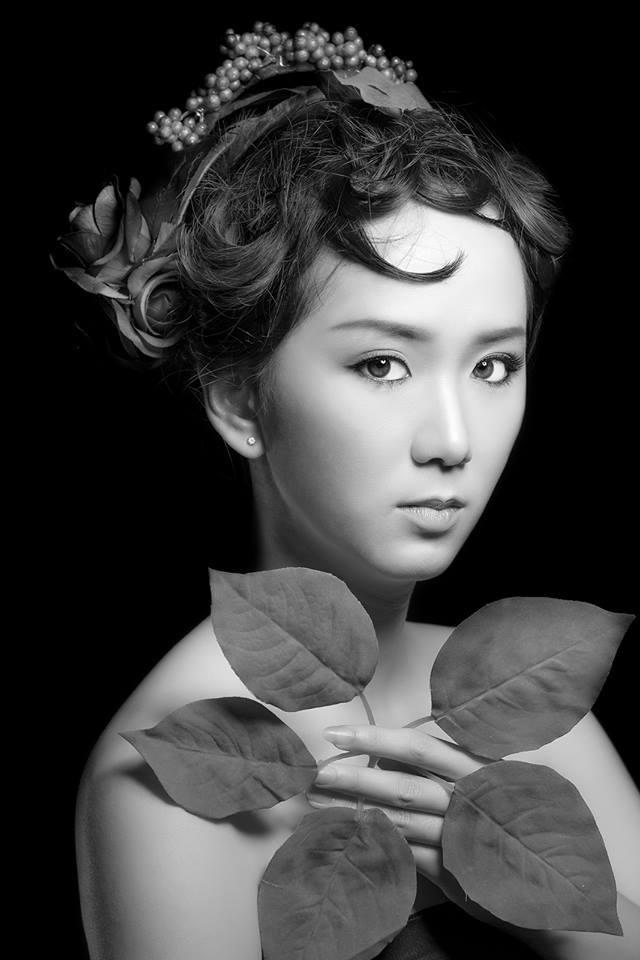 Model nữ Hoa Đăng