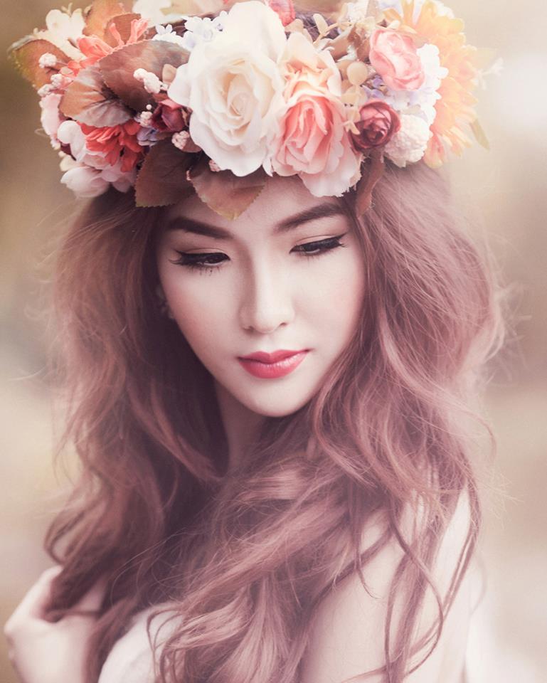 Model nữ Phương Loan