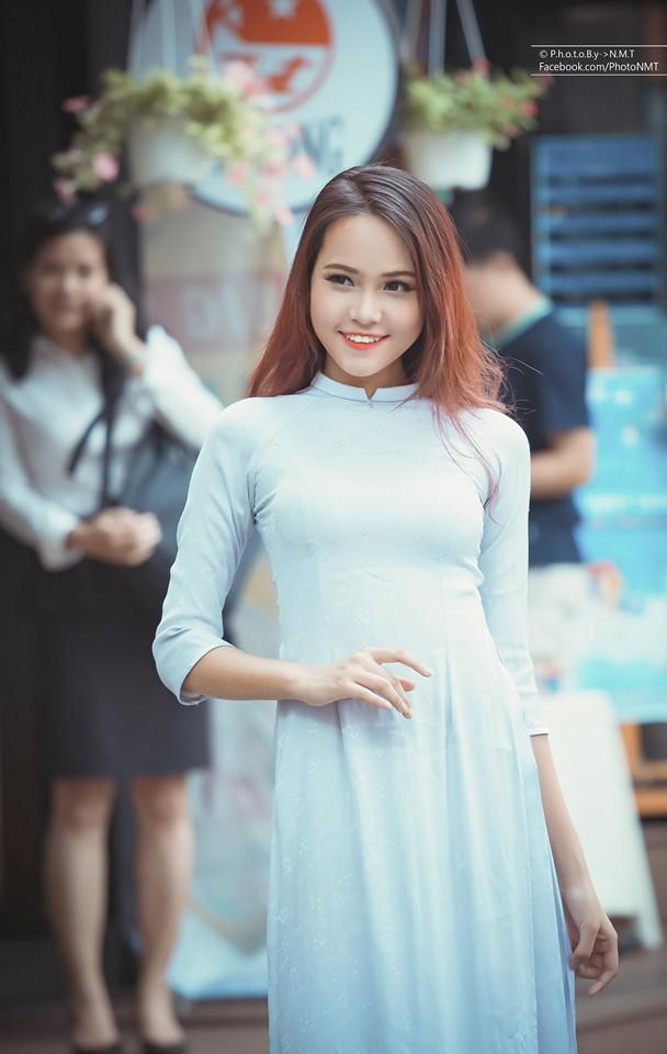 Model nữ chụp shop 5