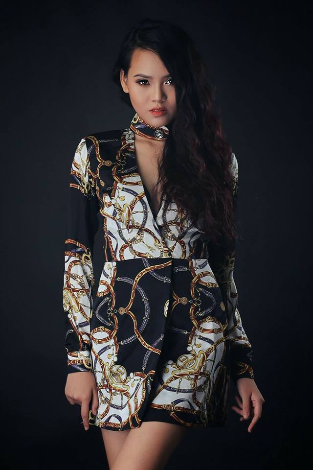 Model nữ chụp shop 4